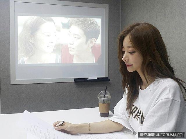 「請問跳舞老師還有缺嗎?」南韓又一位「娜美舞者」YUN SARANG ??? (20P)