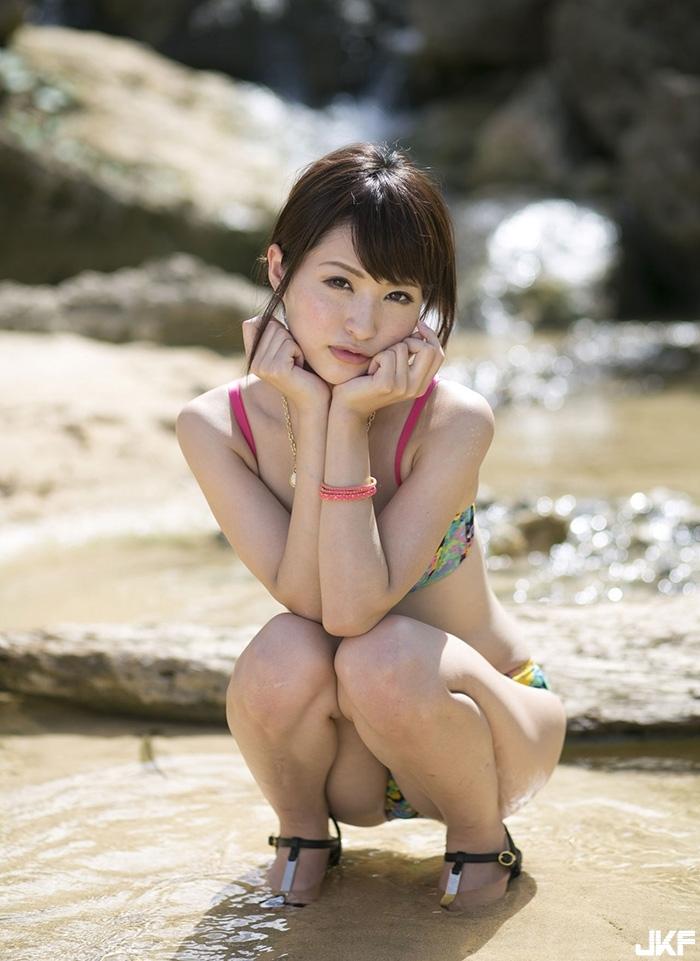 moe-amatsuka4_49.jpg