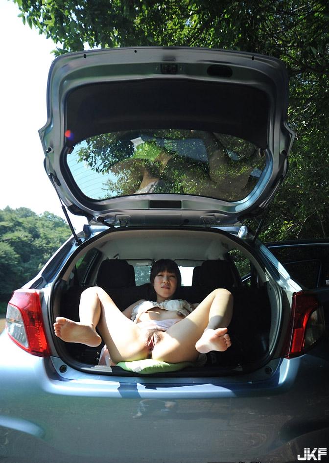 chie-nito-car-sex (13).jpg