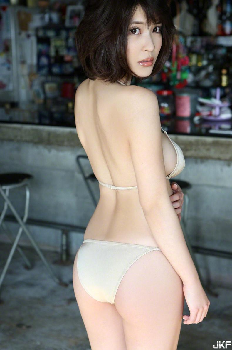 asuka-kishi-15091516-041.jpg