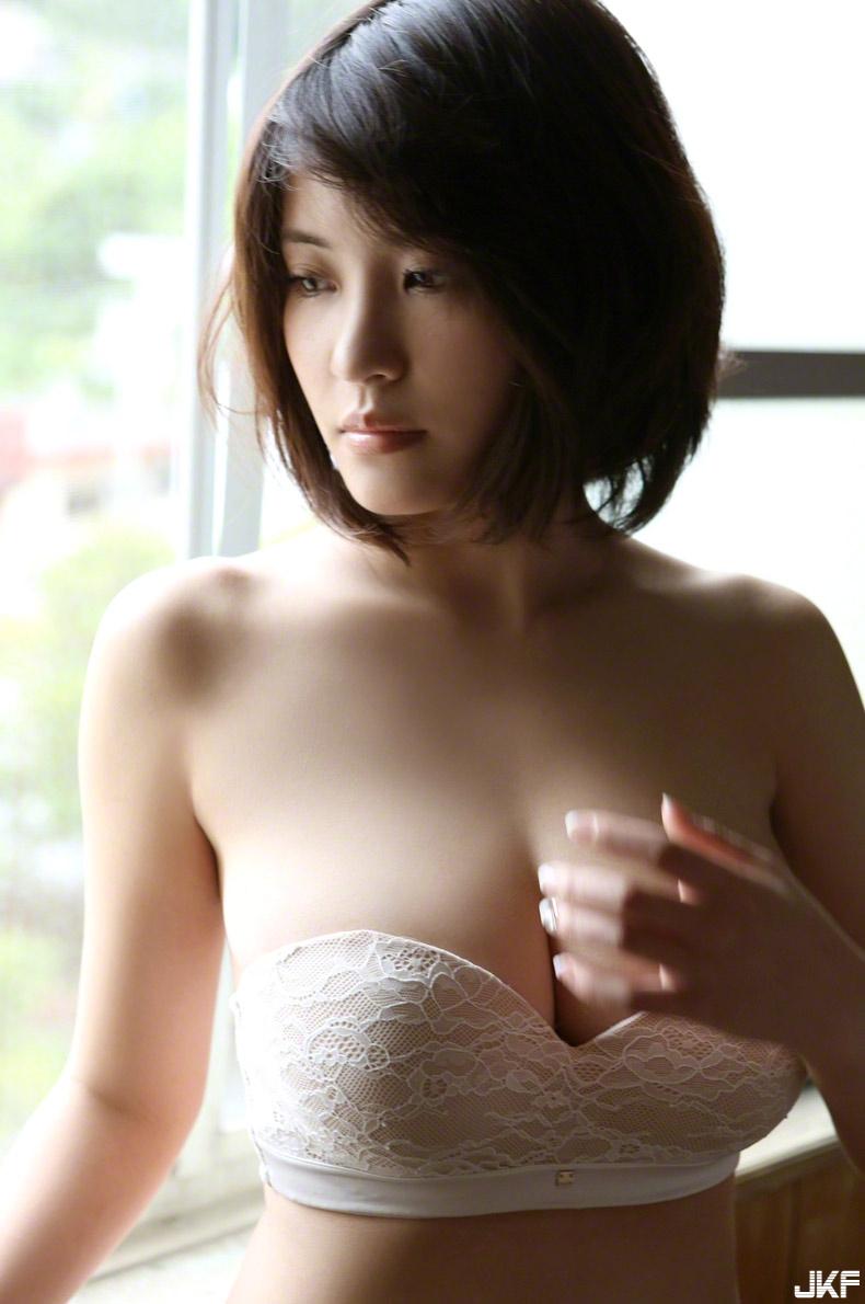 asuka-kishi-15091516-079.jpg
