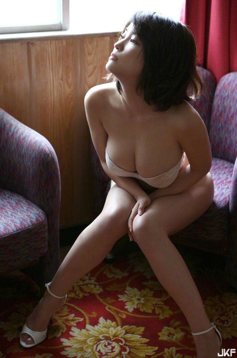 asuka-kishi-15091516-081.jpg