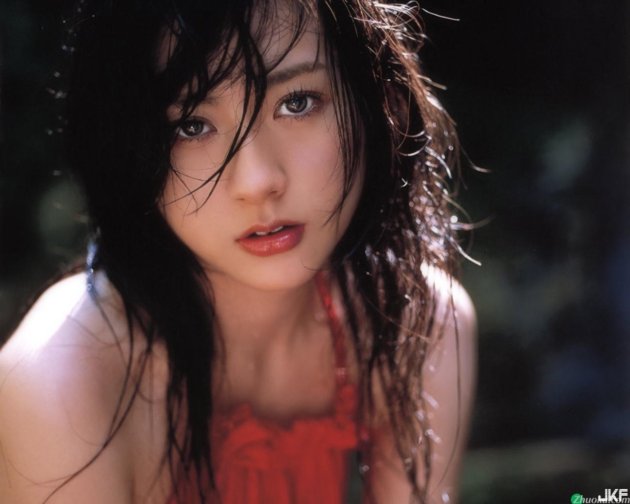 Miki_Inase002.jpg
