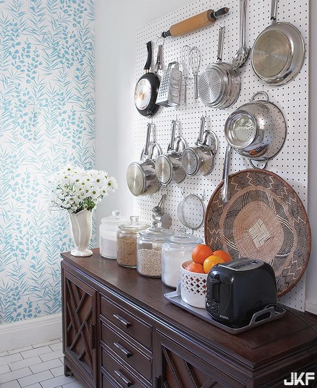 adaymag-decoration-idea-for-awkward-corner-at-rental-house-20.jpg