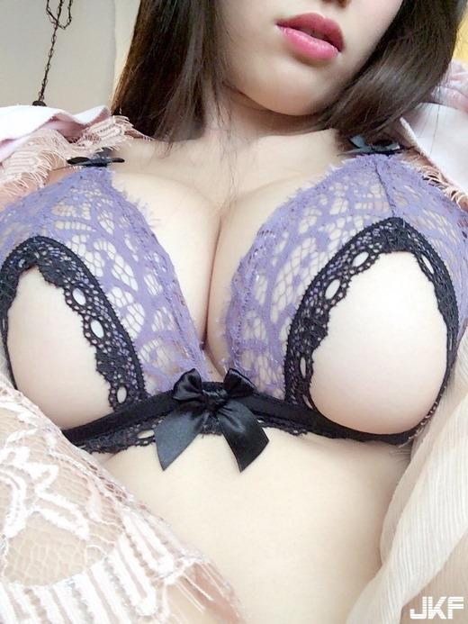 takahashi_shoko_5321-022s.jpg