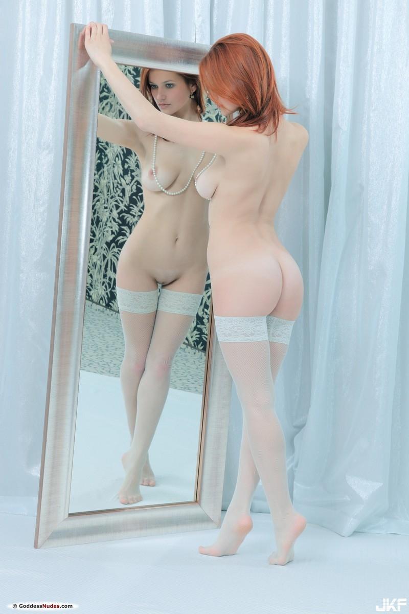 77046371_goddess_violla_a_2_v.jpg
