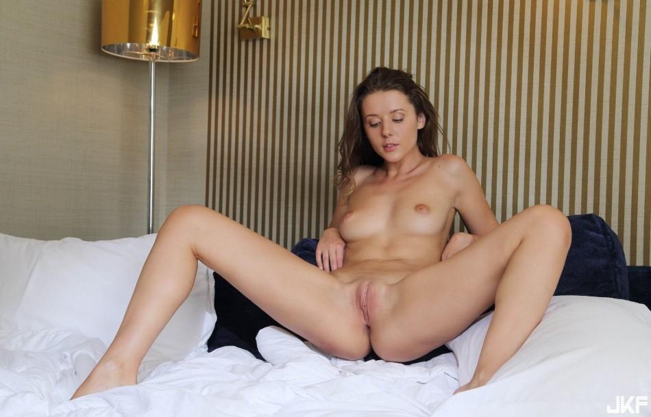 9727_molodaja_i_seksualnaja_big_73.jpg
