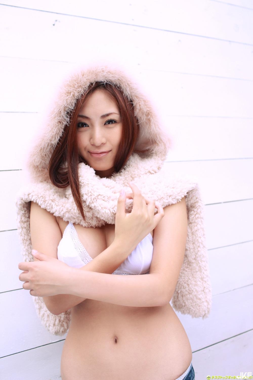 tatsumi-natsuko-480684.jpg