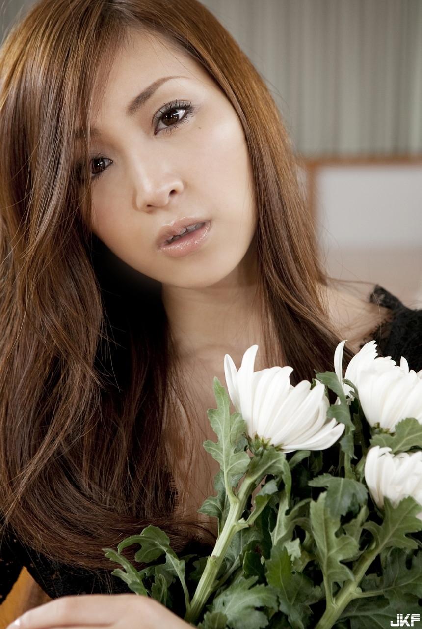 tatsumi-natsuko-496349.jpg