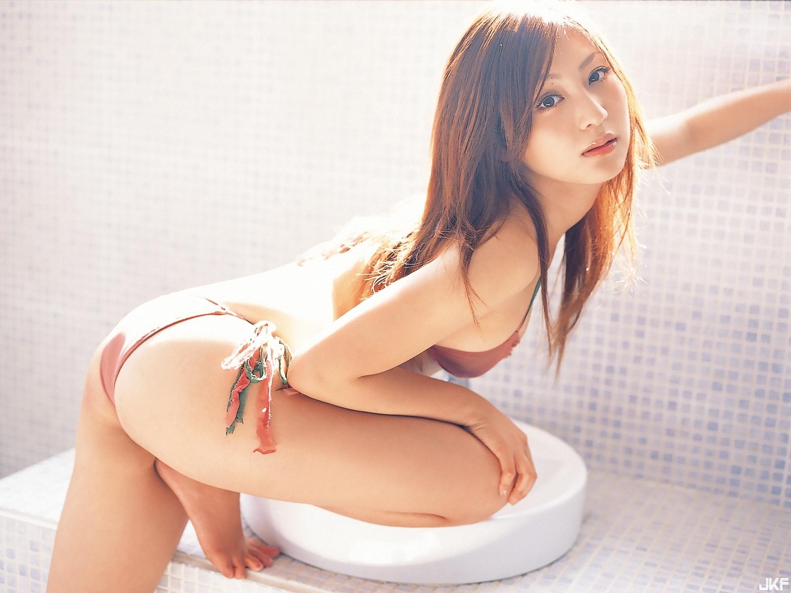 tatsumi-natsuko-547942.jpg