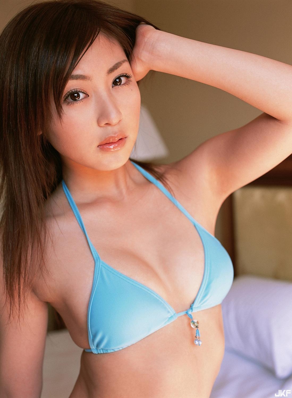 tatsumi-natsuko-595784.jpg