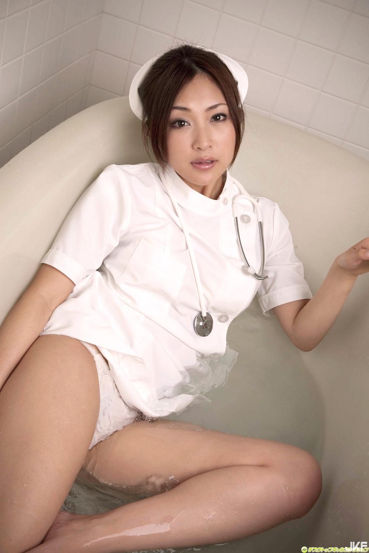 tatsumi-natsuko-602099.jpg