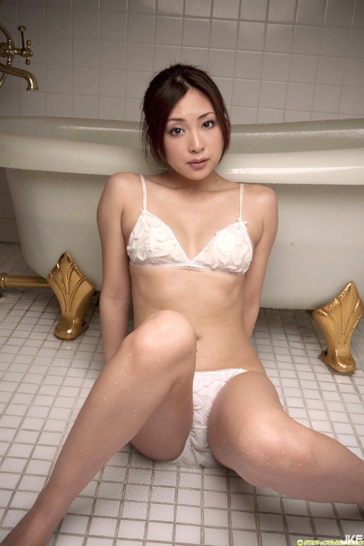tatsumi-natsuko-602110.jpg