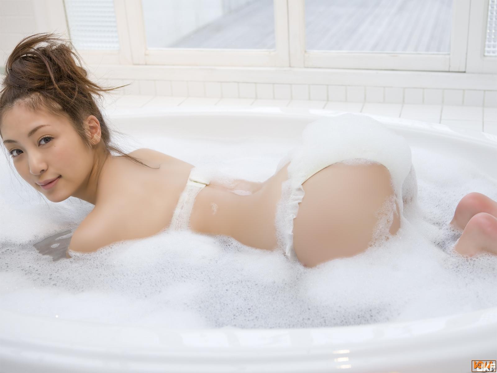 tatsumi-natsuko-863196.jpg