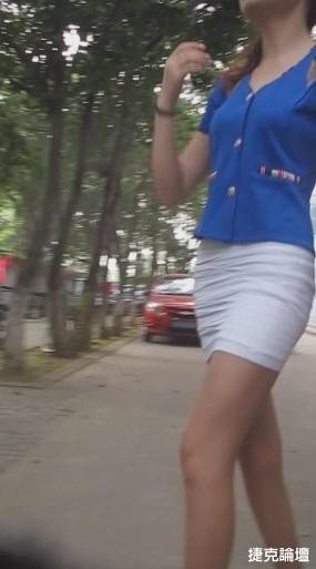 美腿美女在牆角換絲襪[10P] - 貼圖 - 絲襪美腿 -