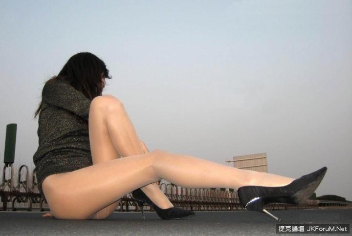 稀奇!京滬高速展美腿 10P - 貼圖 - 絲襪美腿 -