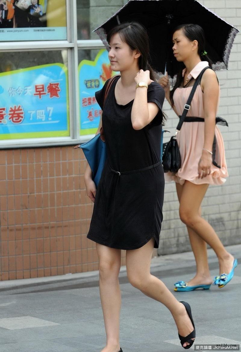 [網路收集] 街拍各種美腿美女 之三  [34P] - 貼圖 - 絲襪美腿 -