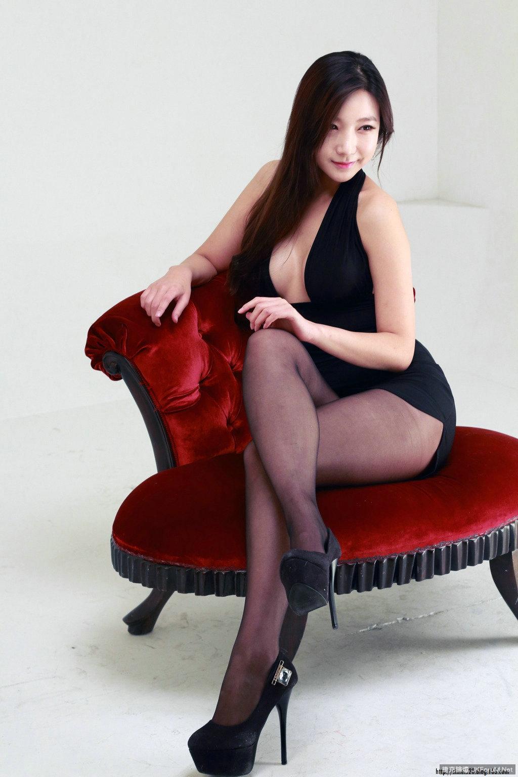 尖頭黑高 精緻絲足 - 貼圖 - 絲襪美腿 -