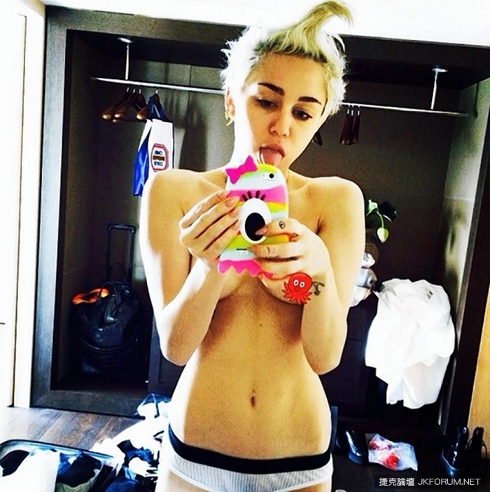miley-cyrus-something-about-mary.jpg