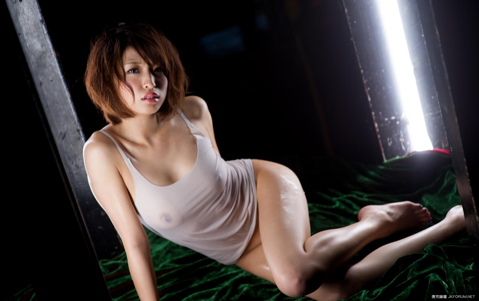 syouko-akiyama-1094_047.jpg
