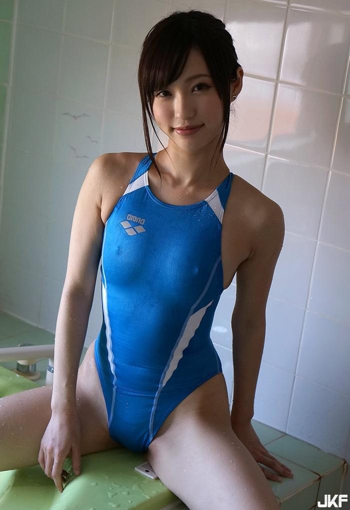 moe-amatsuka4_76.jpg
