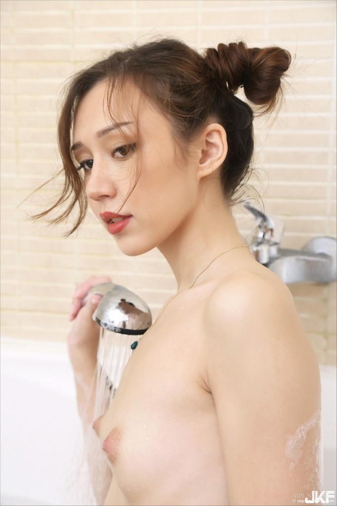 76003564_mplstudios.com_sakur.jpg