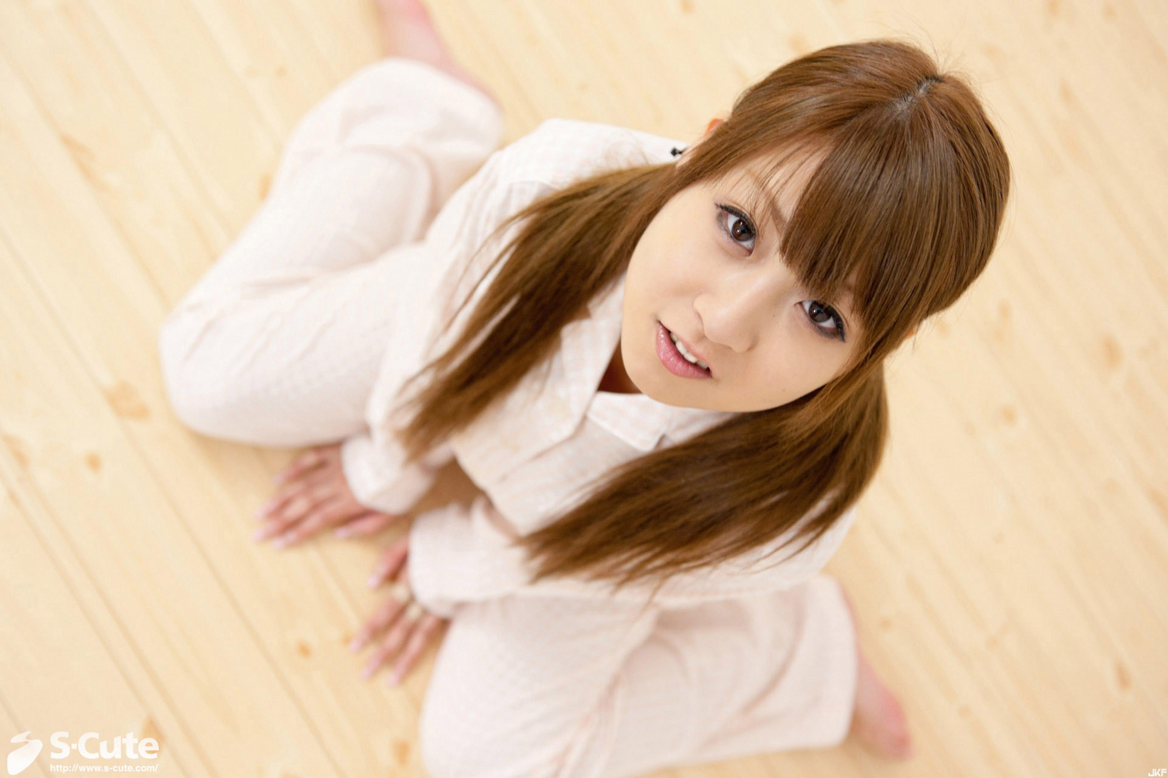 238_hitomi_04-001.jpg