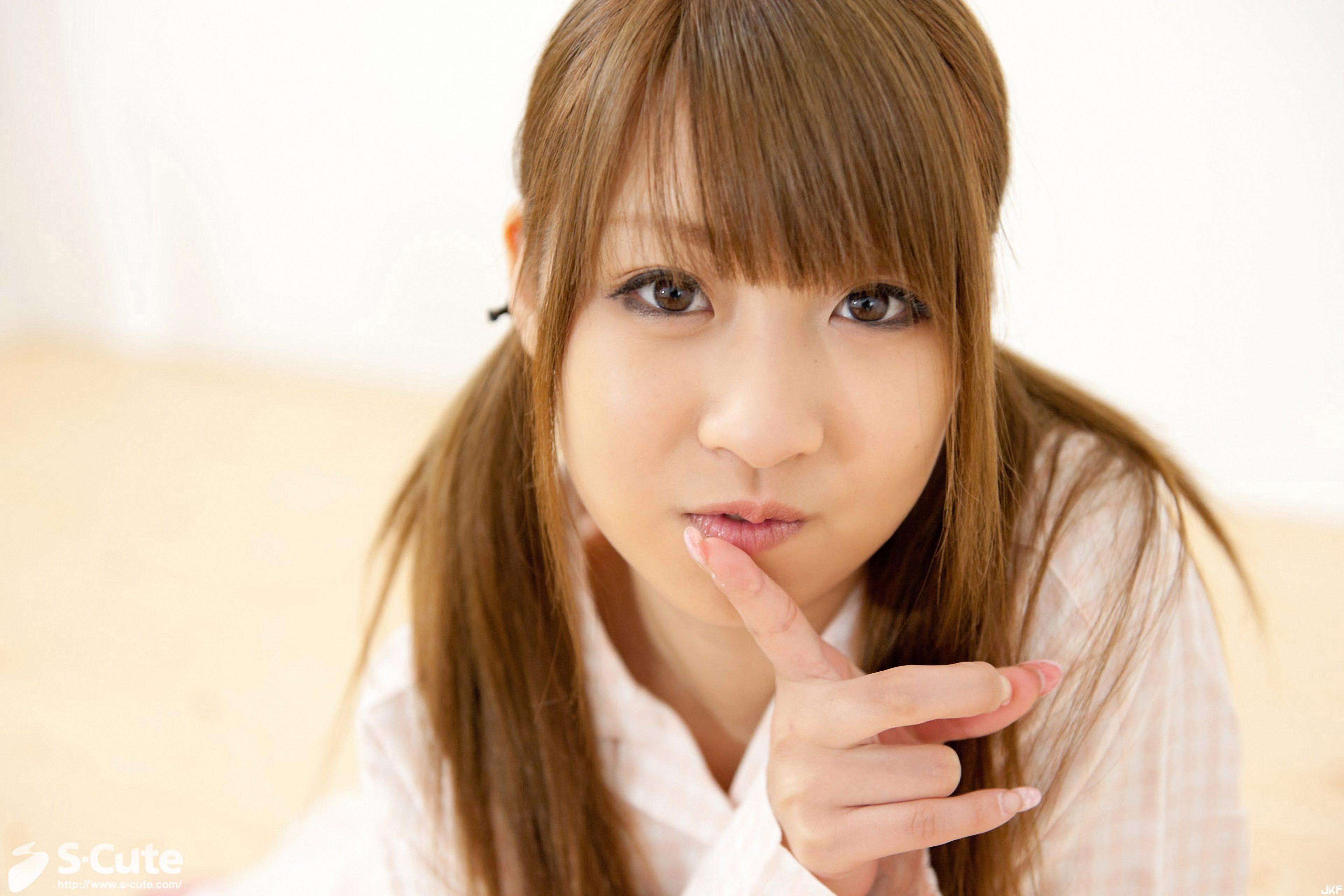 238_hitomi_04-003.jpg