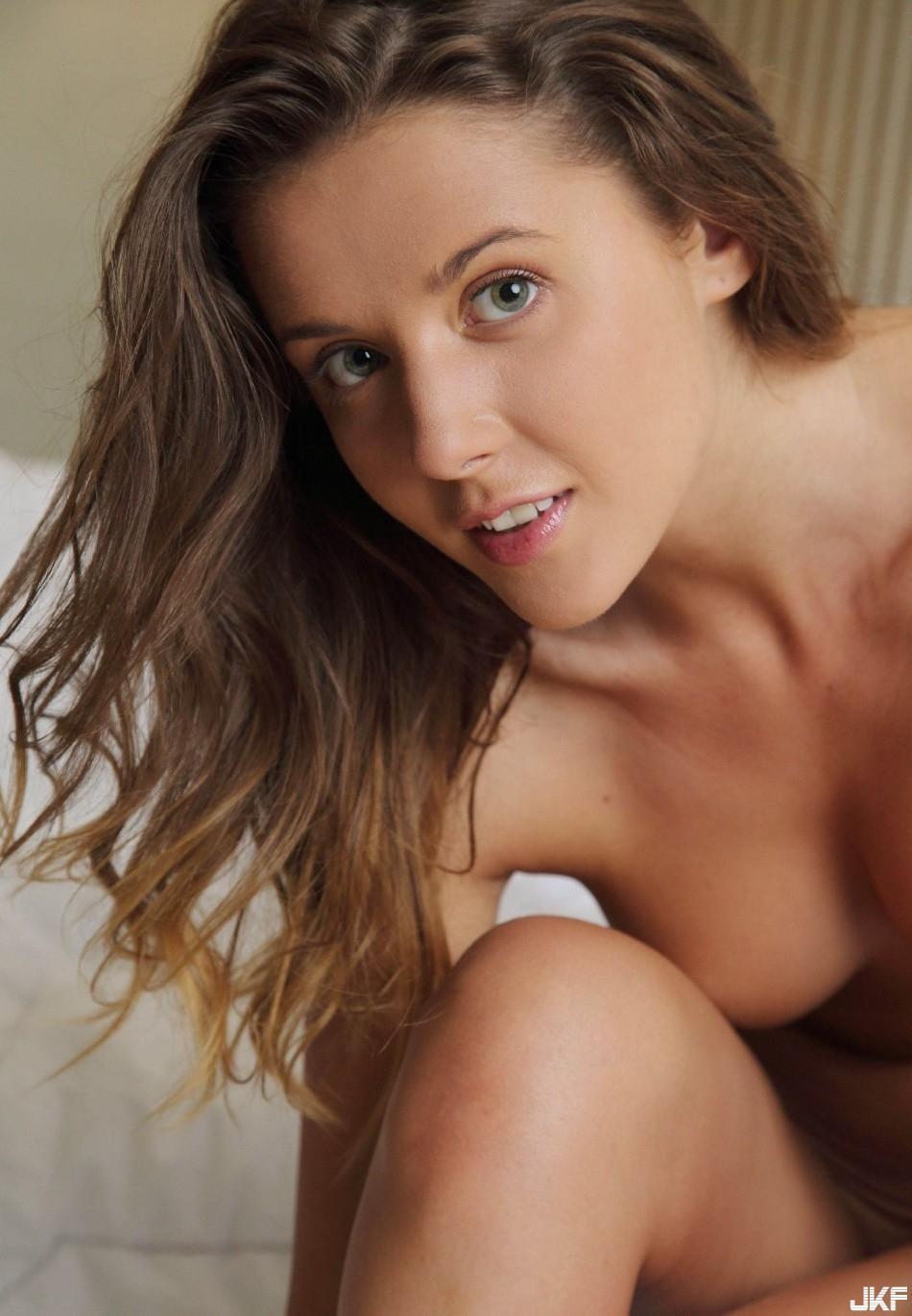 9727_molodaja_i_seksualnaja_big_31.jpg
