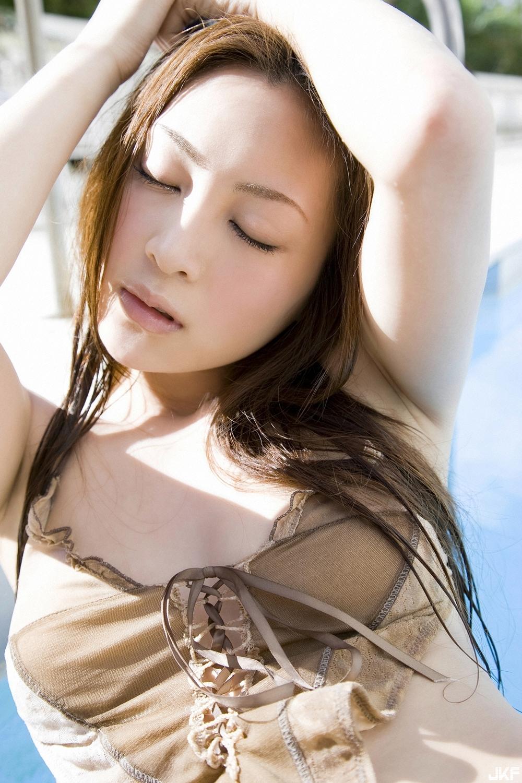 tatsumi-natsuko-496394.jpg