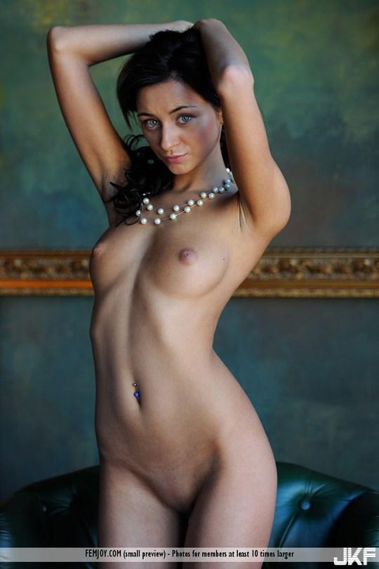 femjoy-Dominika_W-th006.jpg