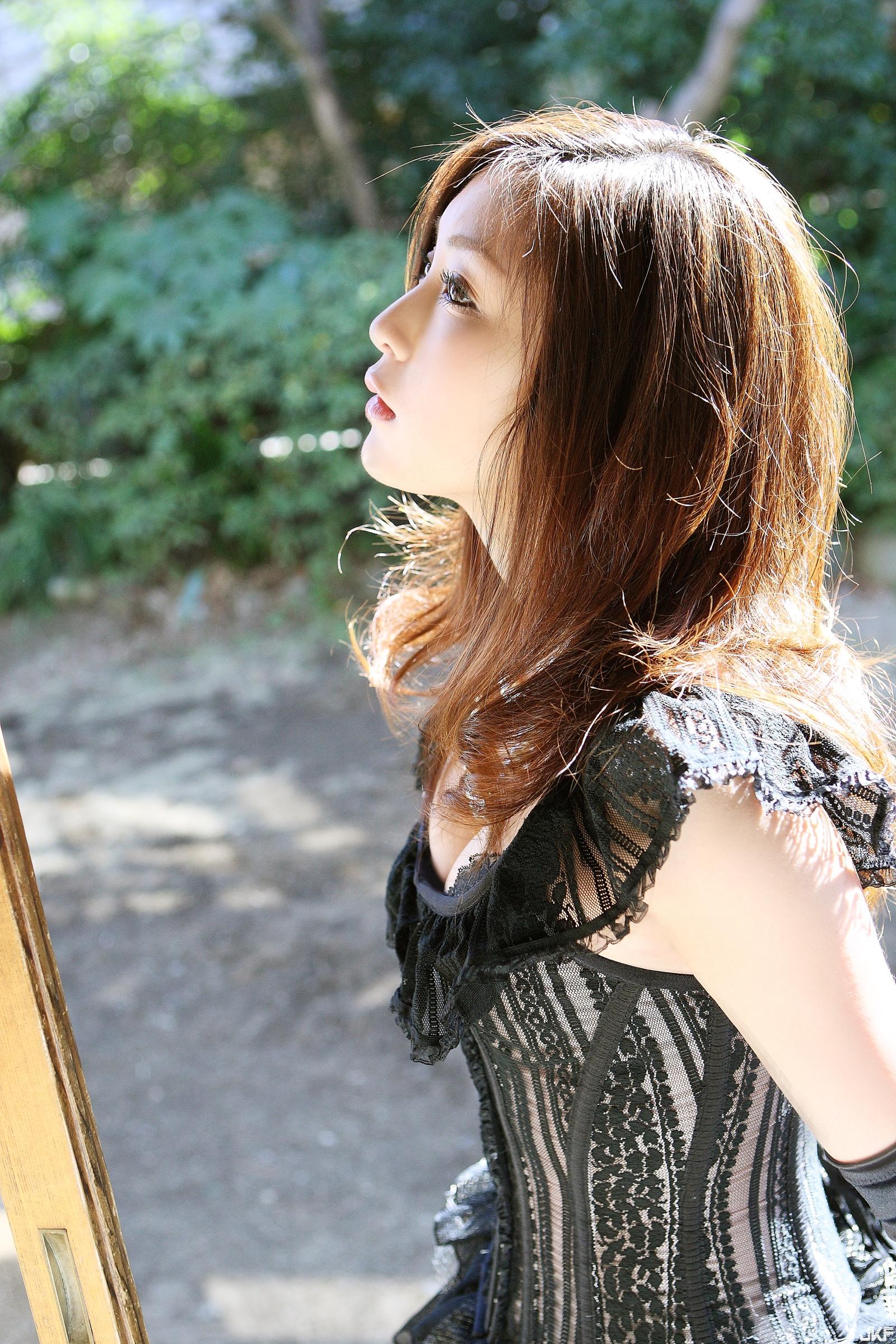 tatsumi-natsuko-574274.jpg