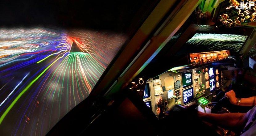 cockpit8.jpg