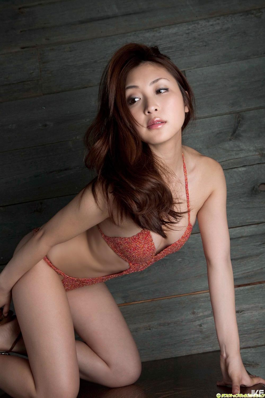tatsumi-natsuko-602085.jpg
