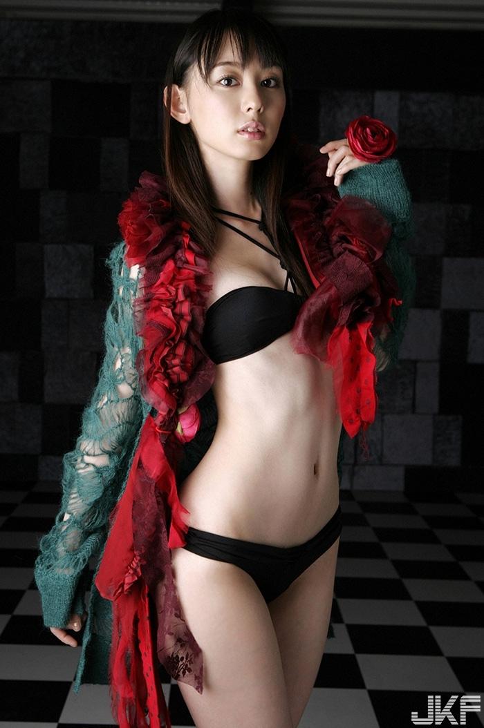 rina-akiyama2_15.jpg