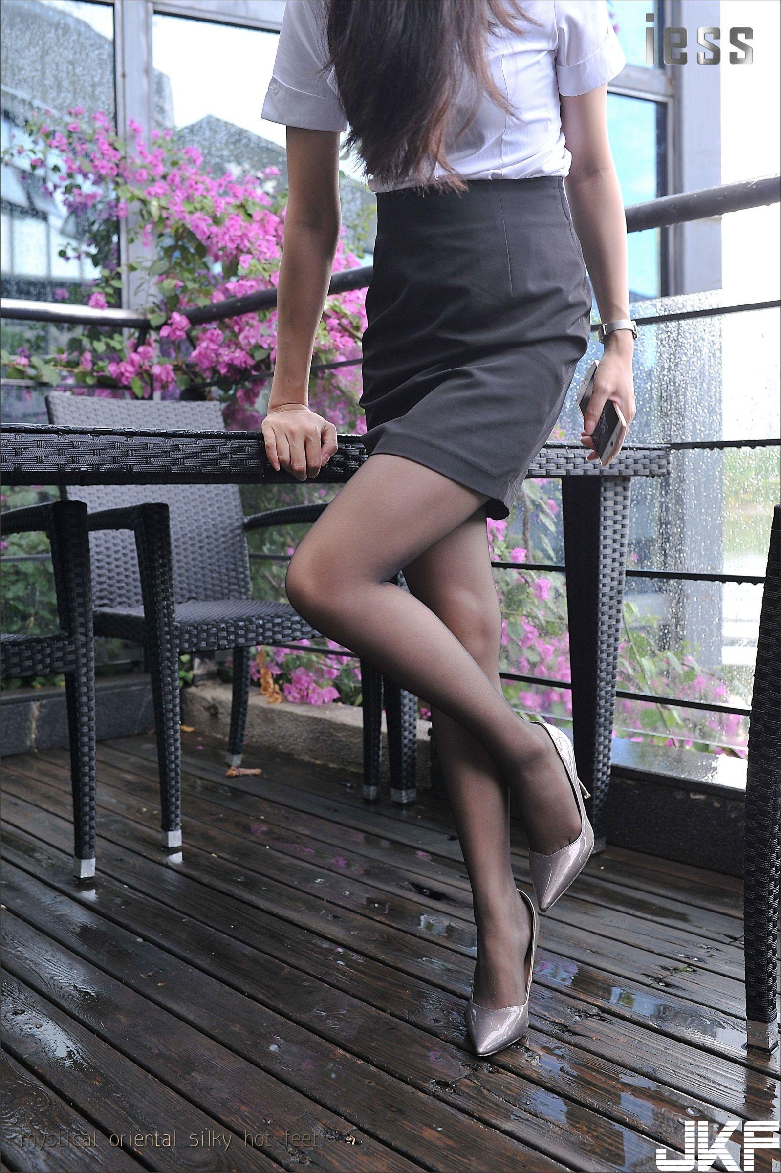 【IESS异思趣向系列】小雪 OL制服黑丝【99P】 - 貼圖 - 絲襪美腿 -