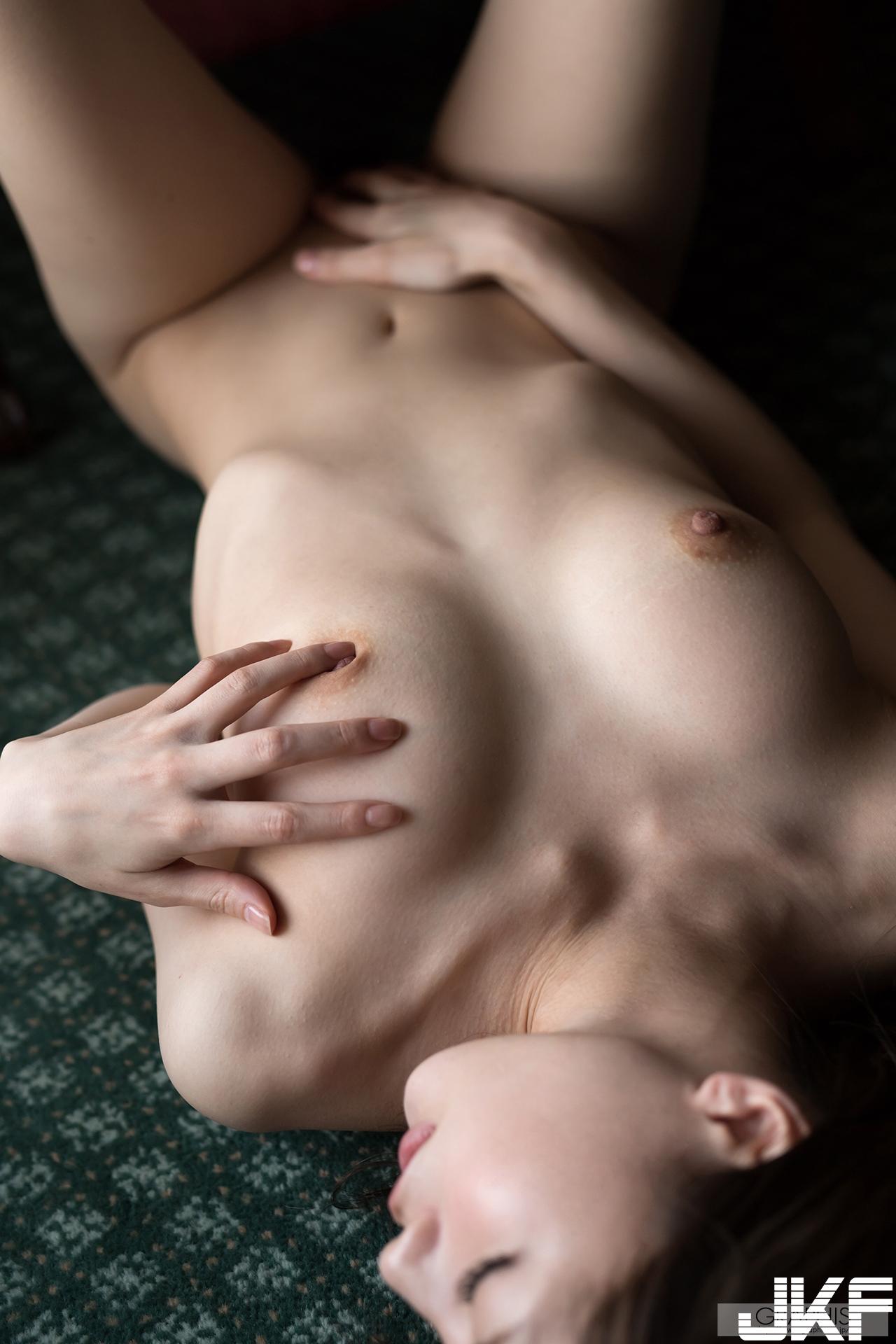 gra_airi-s4129.jpg