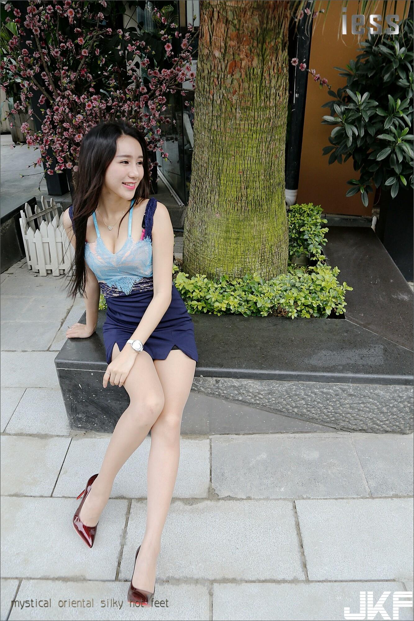 【IESS異思趣向系列】女主播SASA 午後高跟美腿【99P】 - 貼圖 - 絲襪美腿 -
