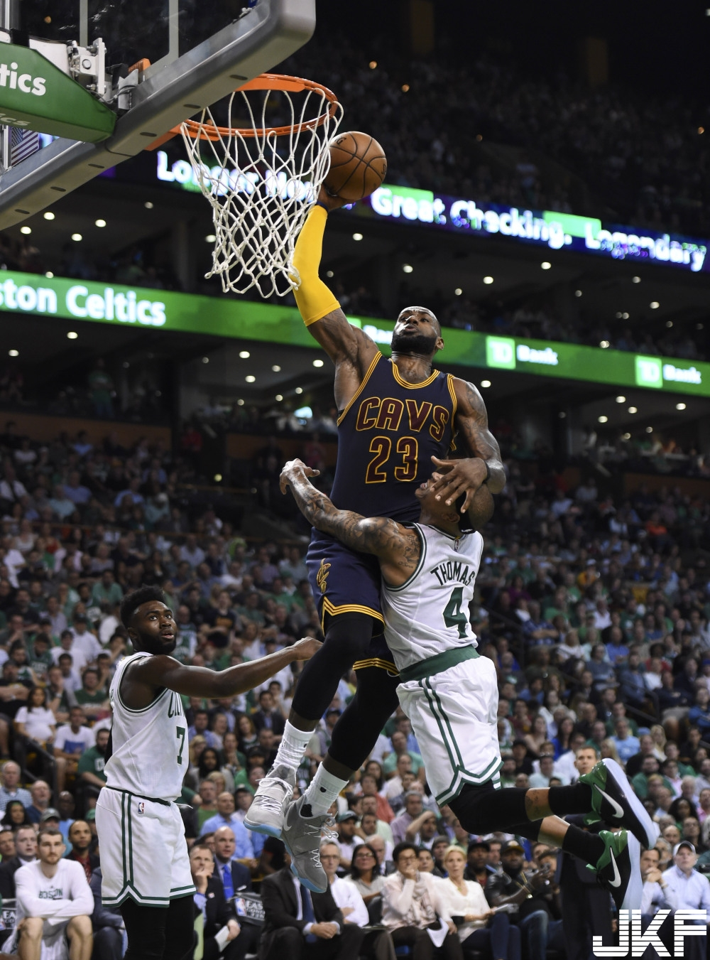usp_nba__playoffs-cleveland_cavaliers_at_boston_ce_90979978.jpg
