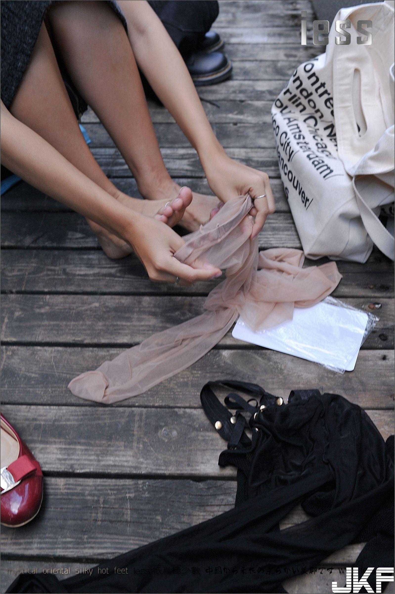 【IESS異思趣向系列】SASA《平底鞋 控 》【99P】 - 貼圖 - 絲襪美腿 -