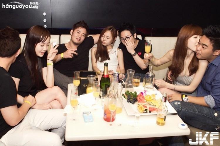 探訪首爾富人區夜店 美女開放讓人欲罷不能 - 1 - 夜店辣妹 -