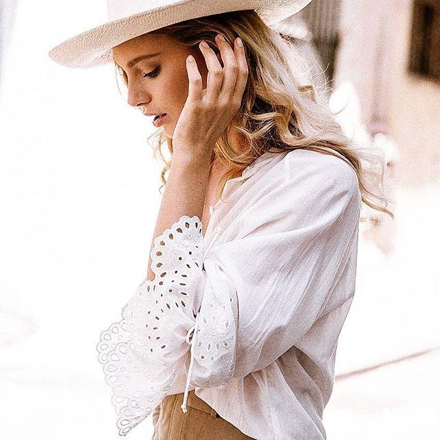 性感美女 Amberly Valentine 性感火辣的身材和冷豔的眼神 網友:石更 - 歐美美女 -