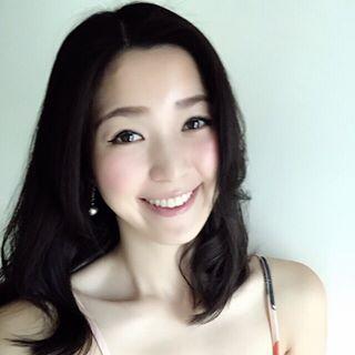 甜美的鄰家系女孩 Alice Chiu 看到這無邪的笑容 讓我好想把她一手抱起...... - 素人正妹 -