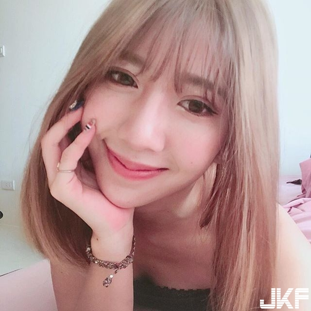 可愛韓系女孩 蜜卡登Mika 有雙白皙細長美腿 和甜美的臉蛋 這根本引人犯罪..... - 素人正妹 -