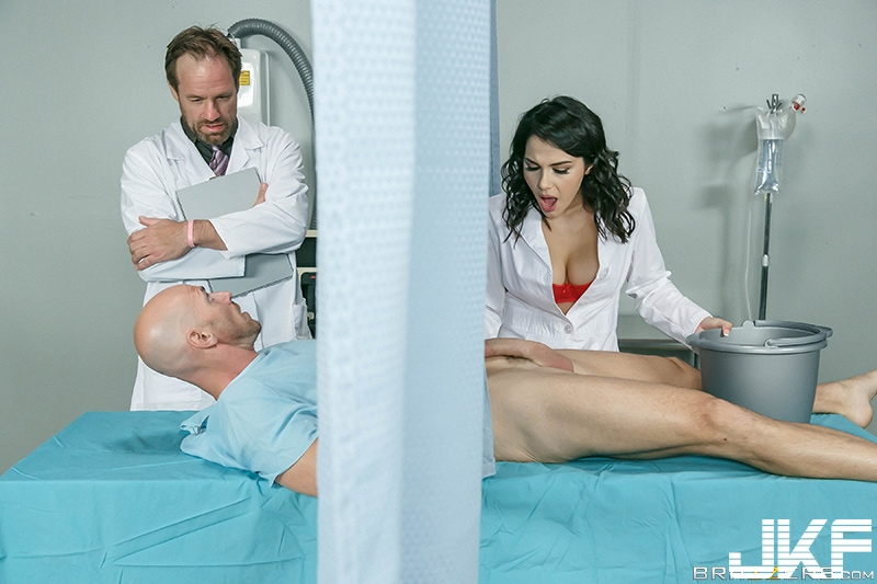 [TEEN]Brazzers – Doctor Adventures – A Nurse Has Needs - Valentina Nappi