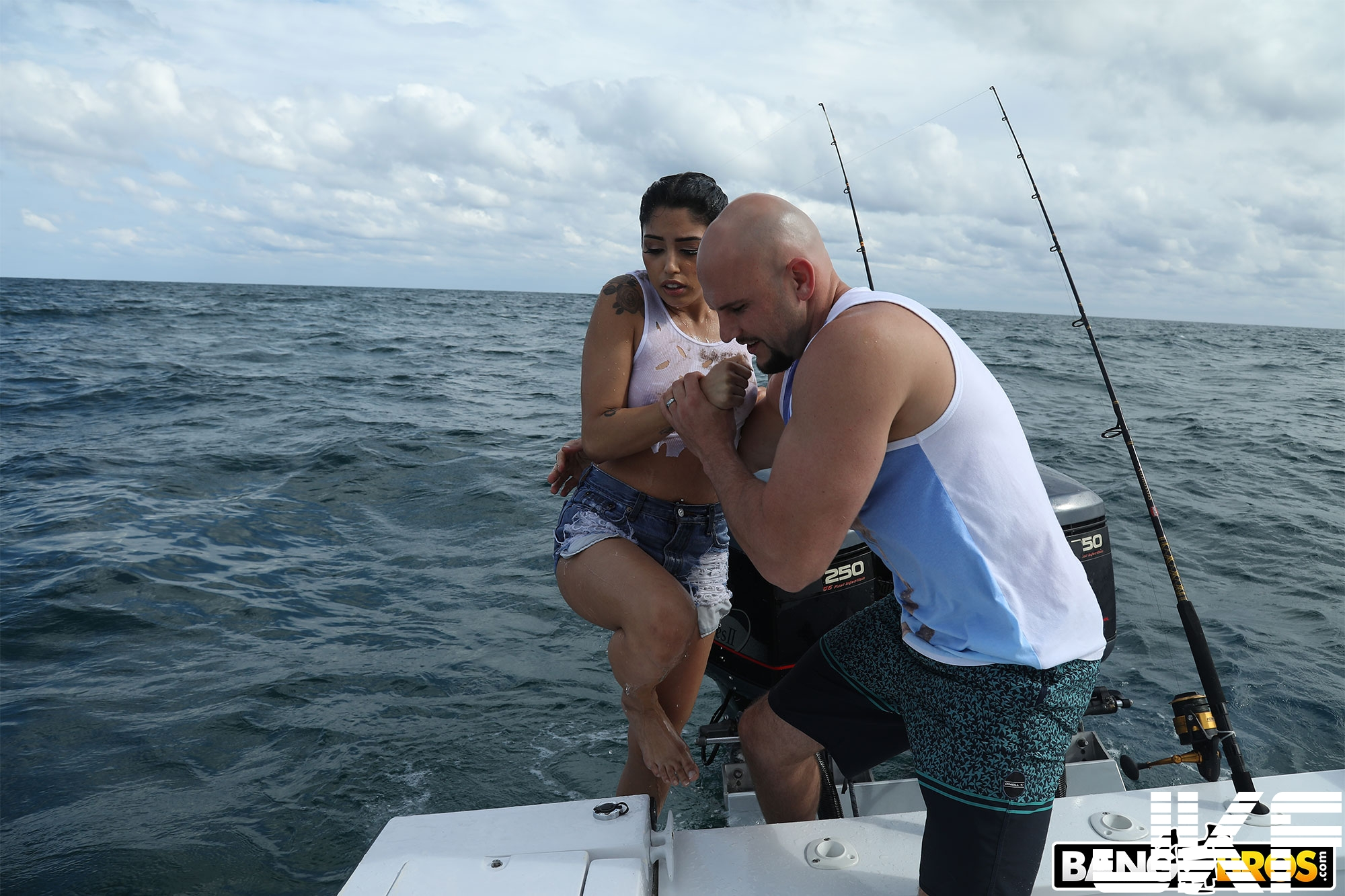 [TEEN][PUBLIC]Bangbros – Bangbros – Cuban Hottie Gets Rescued at Sea - Vanessa Sky