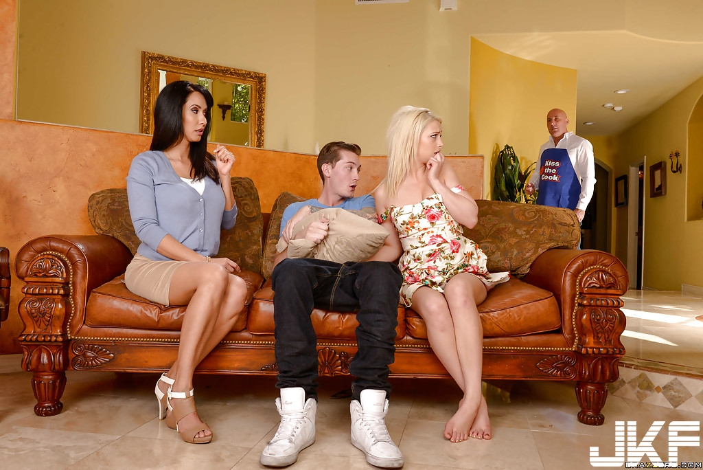 [TEEN][MILF][THREESOME]Braazers – Moms in control – Tempted By Teens - Aubrey Gold , Isis Love