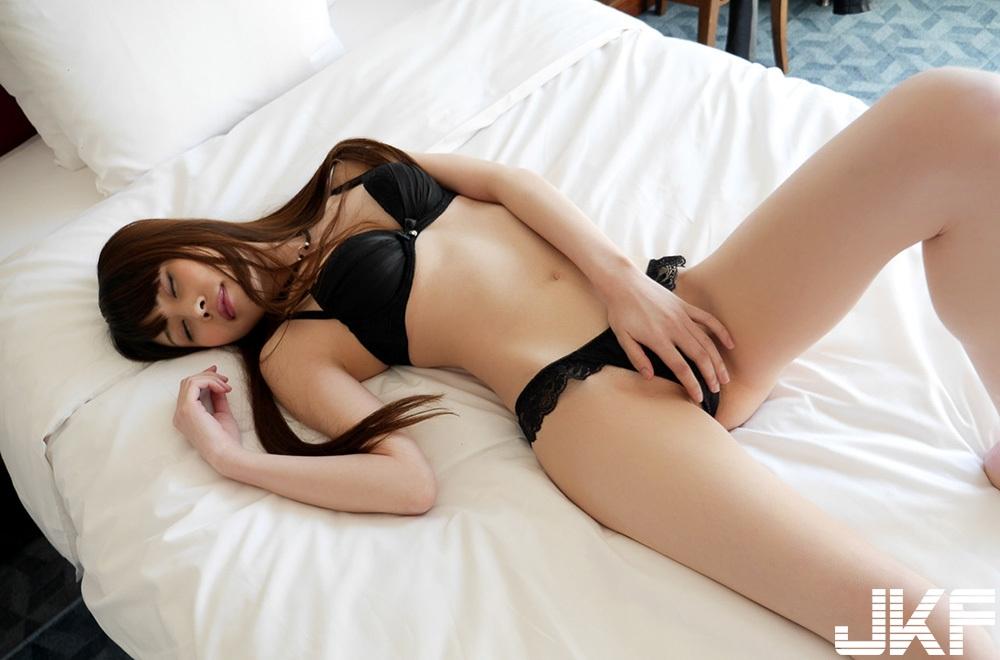 內川桂帆 黒の下著で誘惑、抱き合い感じる…セックス畫像 (下) - 貼圖 - 性感激情 -