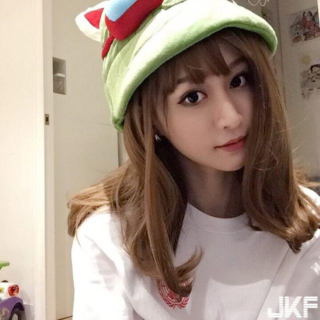 香港正妹 Lok Yii樂宜 長腿麻豆性感自拍讓人好難受 - 素人正妹 -