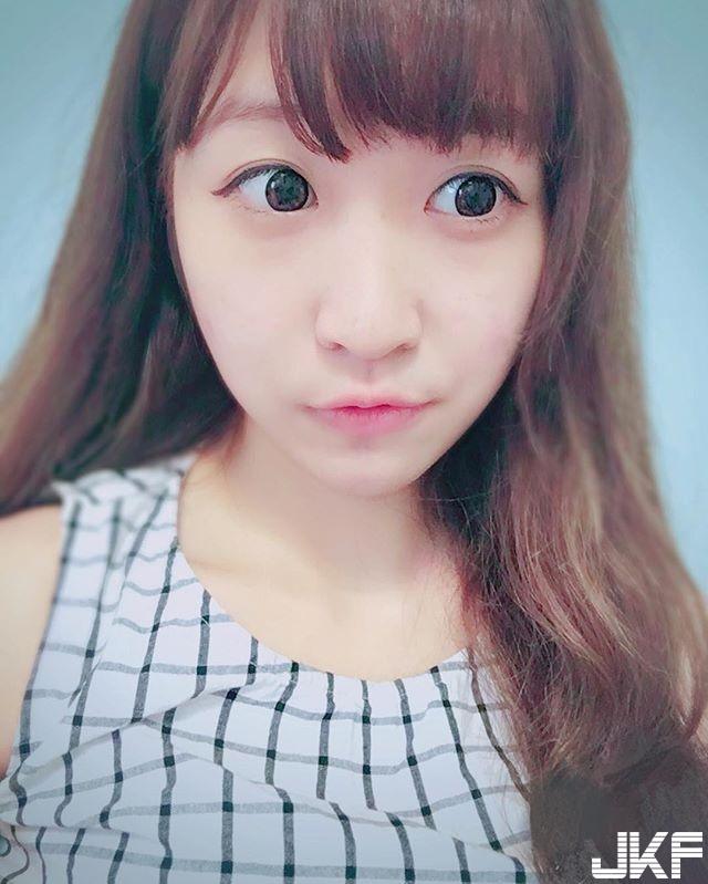 清新氣質小護士  Yuju Chen 看到你我的病都好了還戀愛了呢 - 素人正妹 -